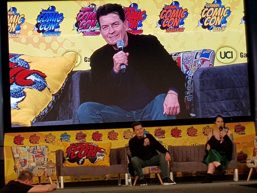 Charly Sheen bei der German Comic Con. Die großen Stars kommen immer häufiger auch nach Deutschland.